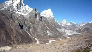 preview picture of video 'Panorama enroute to Nangkartsang peak'
