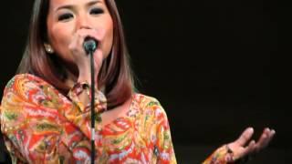 Juris sings APO classics (When I Met You, Ewan, Panalangin) + band introduction