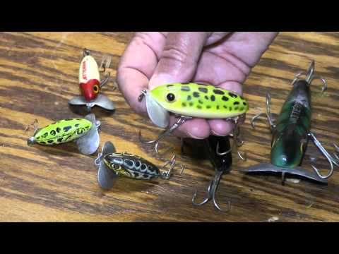 Jitterbug Topwater  Lure catches Largemouth Bass with it's side to side frog action