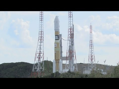 H2Bロケット8号機、発射台へ 25日打ち上げ、種子島宇宙センター