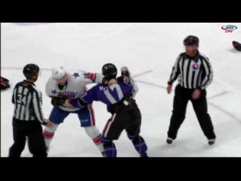 Max McCormick vs. Justin Kea