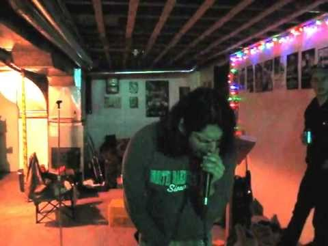 KING SLEEZE Performing 'MONSTER'