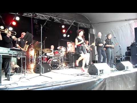 VRO 2011 : Amy Winehouse - Bluestrings + Rieany Janssen - Back To Black