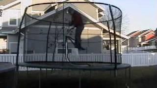 Gambar cover trampoline bike