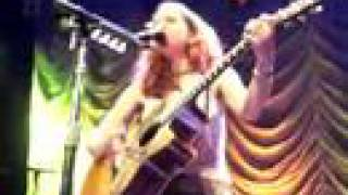 Ani DiFranco - Two Little Girls @Amsterdam