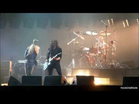 Foo Fighters ft. Alison Mosshart - La Dee Da [HD] live 2 7 2017 Rock Werchter Festival Belgium