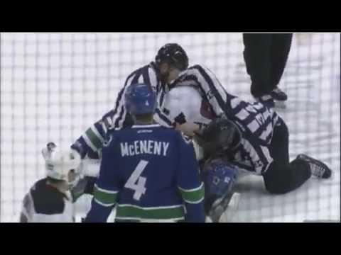 Dan Kelly vs. Alexandre Grenier