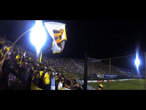 """""""La  Hinchada Aborigen Guarani vs Racing III."""" Barra: La Raza Aurinegra • Club: Guaraní de Asunción"""