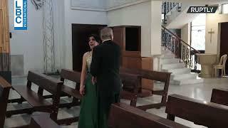 لقطات درامية تُظهر حفل زفاف قاطعه انفجار بيروت