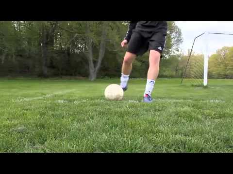 How to take a goal kick for goalkeepers