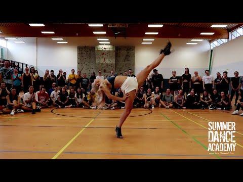 WATCHACHA   FRAULES   SUMMER DANCE ACADEMY