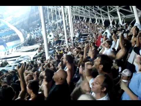 """""""Entretiempo en Avellaneda, All Boys una FIESTA!!"""" Barra: La Peste Blanca • Club: All Boys"""