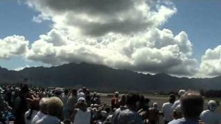 preview picture of video 'F-22 Raptor Fast Pass then Agiity Pass at Kaneohe Airshow'