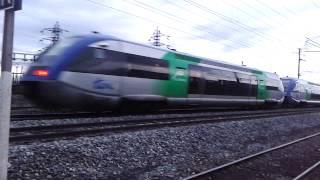preview picture of video 'UM 2 X 73500 Auvergne sortie de Riom direction Clermont-Ferrand'