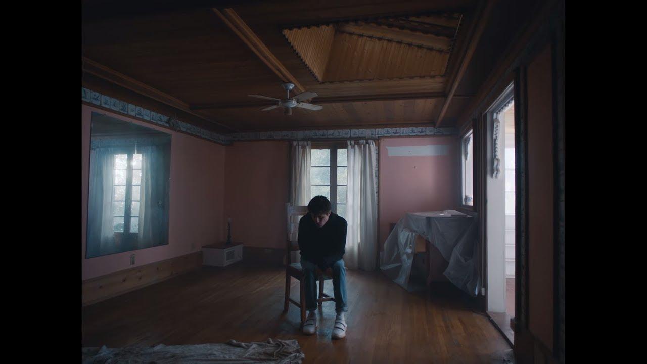 Alec Benjamin feat. Alessia Cara – Let Me Down Slowly
