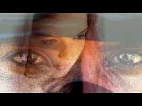Immagine testo significato Occhi di ragazza