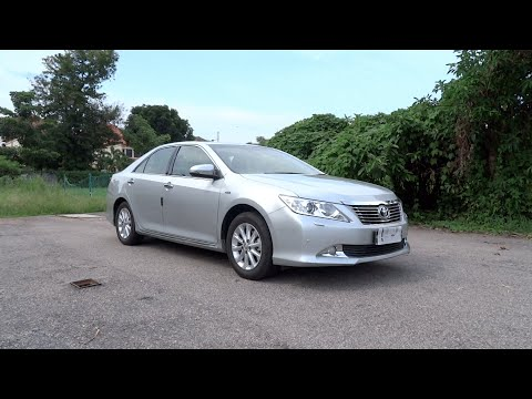 2014 Toyota Camry 2.0G Start-Up, Full Vehicle Tour and Test Drive