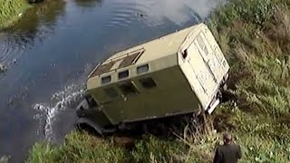 Russian Trucks Crossing River Trucks in Extreme Conditions