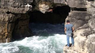 preview picture of video 'Fisherman at Boca do Inferno (Hell's Mouth), Cascais, Portugal'