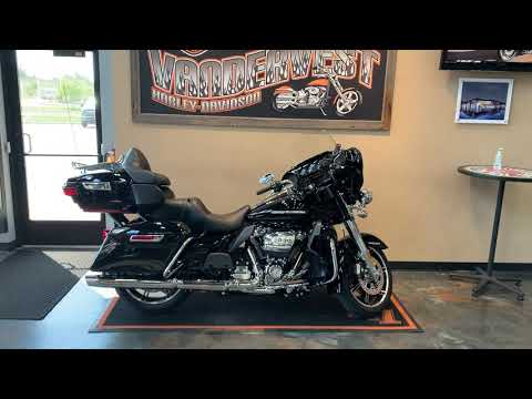 2021 Harley-Davidson Grand American Touring Ultra Limited at Vandervest Harley-Davidson, Green Bay, WI 54303