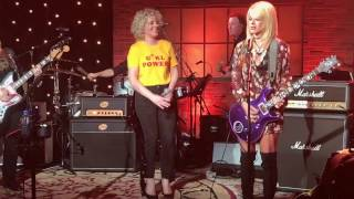 "Melissa Etheridge, Orianthi, Lindsay Ell, Cam & Troi Irons ""Johnny B Goode"""