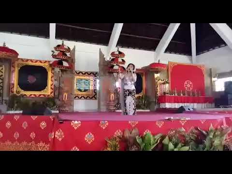 Putri-kebanggaan-Desa-Canggu-raih-juara-I-lomba-lagu-pop-Bali.html