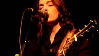 Brandi Carlile - Throw It All Away (acoustic)