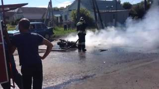 Карсун мотоцикл горит после ДТП2