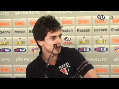 Jogador do São Paulo admite que treme contra o Corinthians