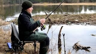 Осенней рыбалка фидером на реке