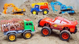 Military Rocket Truck rescues MCqueen Cars Animals Truck Excavator Toys Escape from Bad Helicopter