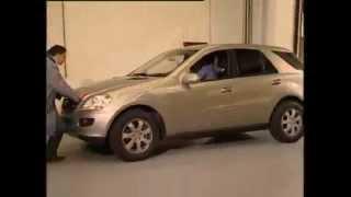 Mercedes-Benz ML   Das Getriebe ist in der Parkposition verriegelt
