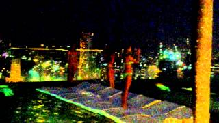 Сингапур бассейн на крыше отеля Marina bay