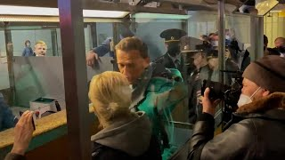 video: Alexei Navalny arrested in Russia immediately after arriving from Germany after poisoning