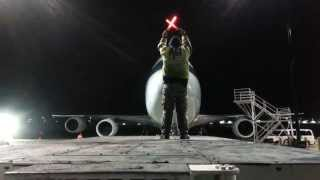 Nighttime Aircraft Marshalling - Cathay Pacific Cargo 80 Arrival [B-LJB] Boeing 747-8F [11.08.2014]