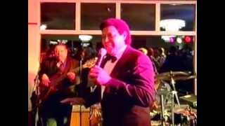 Chubby Checker Twists into Des Moines