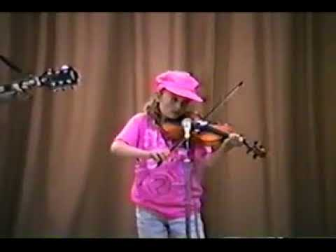 This is an old video from when I was 8 years old, playing the American fiddle in my elementary Talent Show with my Mom!