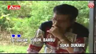 Meggi Z   Gubug Bambu [Official Music Video]