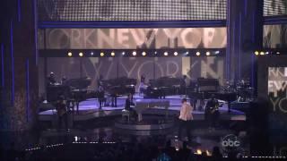 Jay-Z & Alicia Keys - Empire State of Mind (AMA 2009).mkv
