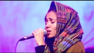 "Nneka LIVE ""Walking"" - My Fairy Tales - Tour 2015 @Jam"