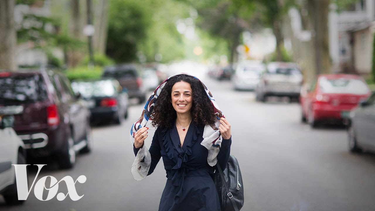 Μεγάλη καμπάνια στο Ιράν: Γυναίκες βγάζουν την μαντίλα ως ένδειξη διαμαρτυρίας (vid)