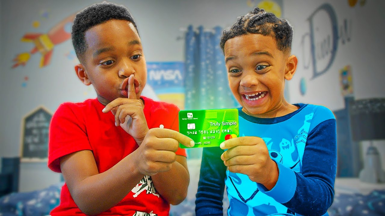 Kids TAKE MOMMY CHARGE CARD To Purchase Games On ROBLOX, Learns Their Lesson|The Prince Household Clubhouse thumbnail