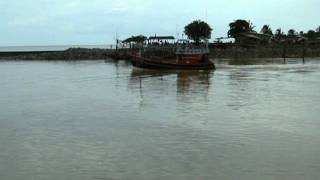 preview picture of video 'estuary  of  lang  suan  river , lang  suan  district , chumphon  province.'