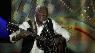 "Jonathan Butler Performs ""Falling in Love with Jesus"" on VOA's Border Crossings"