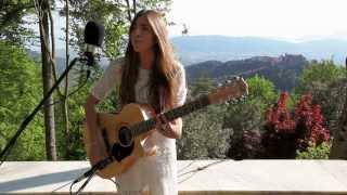 Joan Thiele - Crazy thought - Tuscany Acoustic