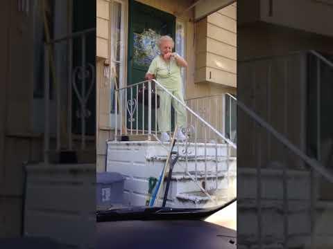 בת 88 שלא איבדה את החשק לרקוד