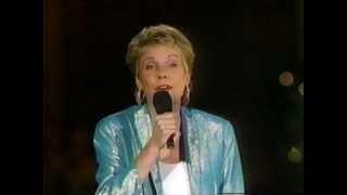 Bluebird - Anne Murray Live at Disney World, FL.