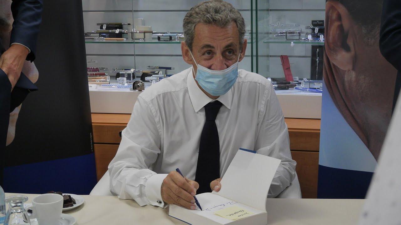 Nicolas Sarkozy Dedicace Le Temps Des Tempetes Chalontv
