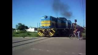 preview picture of video 'tren saliendo de Tacuarembó , Uruguay'