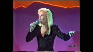 SYLVIE VARTAN  'Irrésistiblement' remix  (TV Italie 1988)